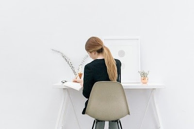 Meja Kerja Minimalis dari Arkadia Furniture