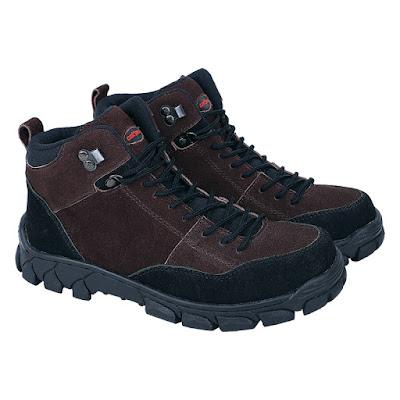 Sepatu Adventure Pria Catenzo RR 023