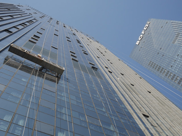 window cleaning at the Bofo International Plaza towers in Changsha
