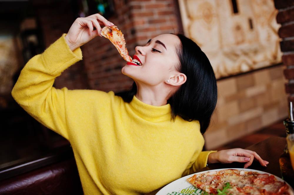 اتيكيت تناول البيتزا