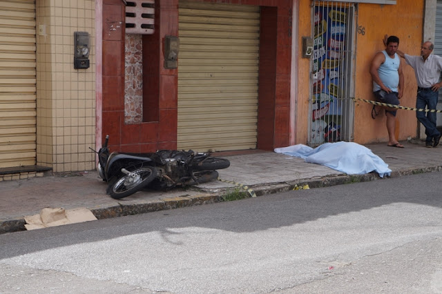 MOTOCICLISTA MORRE APÓS SER ATINGIDO POR ÔNIBUS EM CARUARU