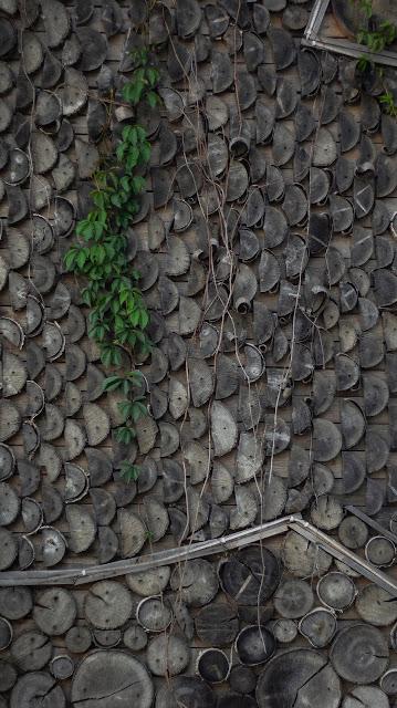 Комарово дом изба декор стена бревна дизайн