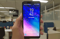 O Galaxy A8 tem processador Samsung Exynos 7885 octa-core, 4 gigabytes de memória RAM e 64 gigabytes de armazenamento interno
