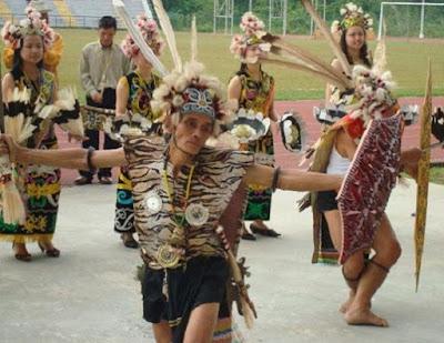 Tari Kancet Papatai perpaduan Seni dan Budaya - berbagaireviews.com
