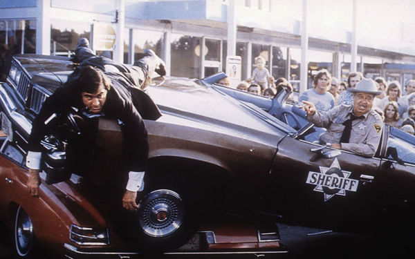 Jackie Gleason in wrecked police car in Smokey and the Bandit