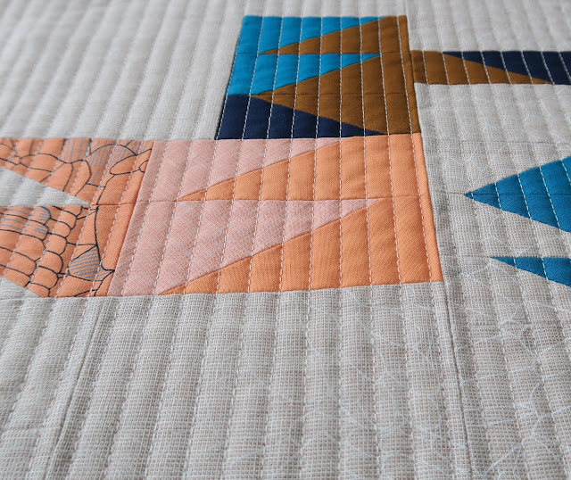 Luna Lovequilts - Machine straight line quilting close-up