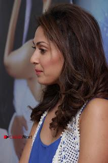 Bollywood Actress Manjari Phadnis Stills in Ripped Jeans at Film Jeena Isi Ka Naam Hai Interview  0003.jpg
