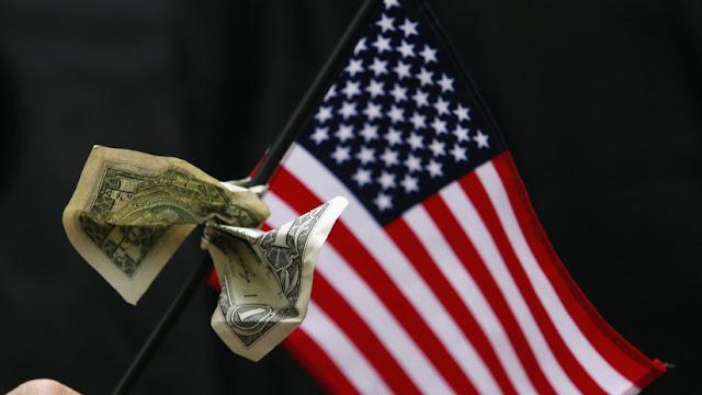 """Jefe de la Inteligencia rusa: """"El dólar se hace tóxico y cada vez más países buscan alternativas"""""""