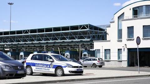 Szerbia több határátkelőt lezárt Magyarország felé