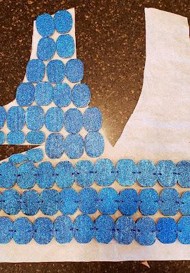 merrill-weber-creates-recycled-cardboard-dress