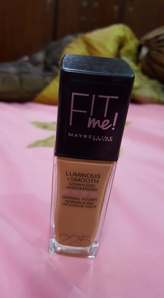 Maybelline fit me 225 shade bottle