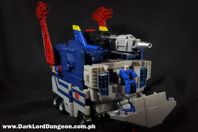 Transformers Takara LG42 Titans Return Godbomber