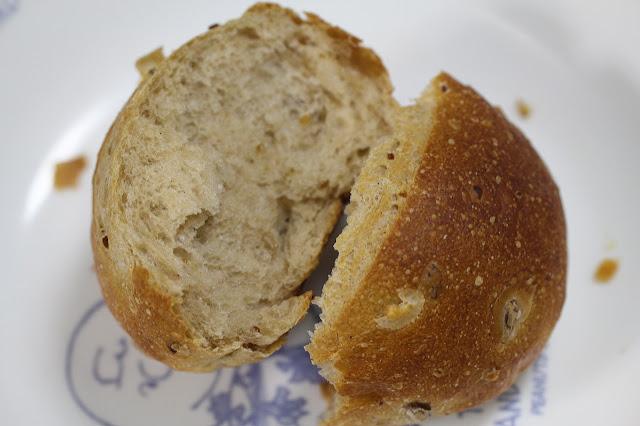 ポンパドウルの雑穀ロール