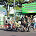 Anggota Kodim 0703/Cilacap Bagi-bagi Takjil Kepada Para Pengguna Jalan