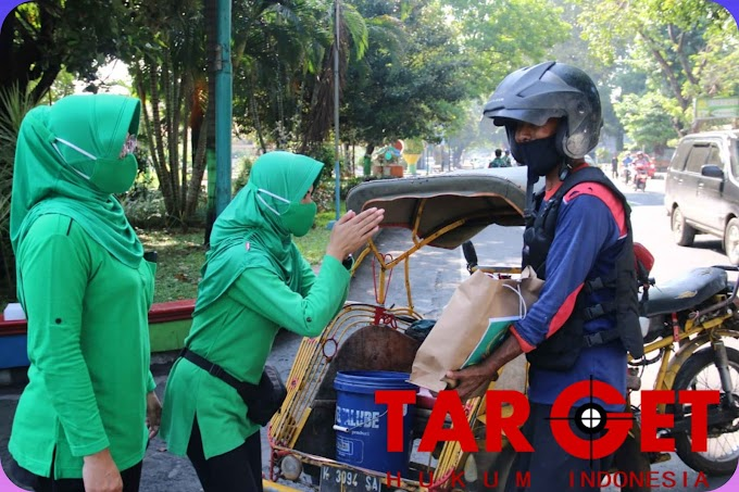 Sambut Bulan Puasa Ramadhan, Persit Kodim Pati Bagikan Paket Sembako
