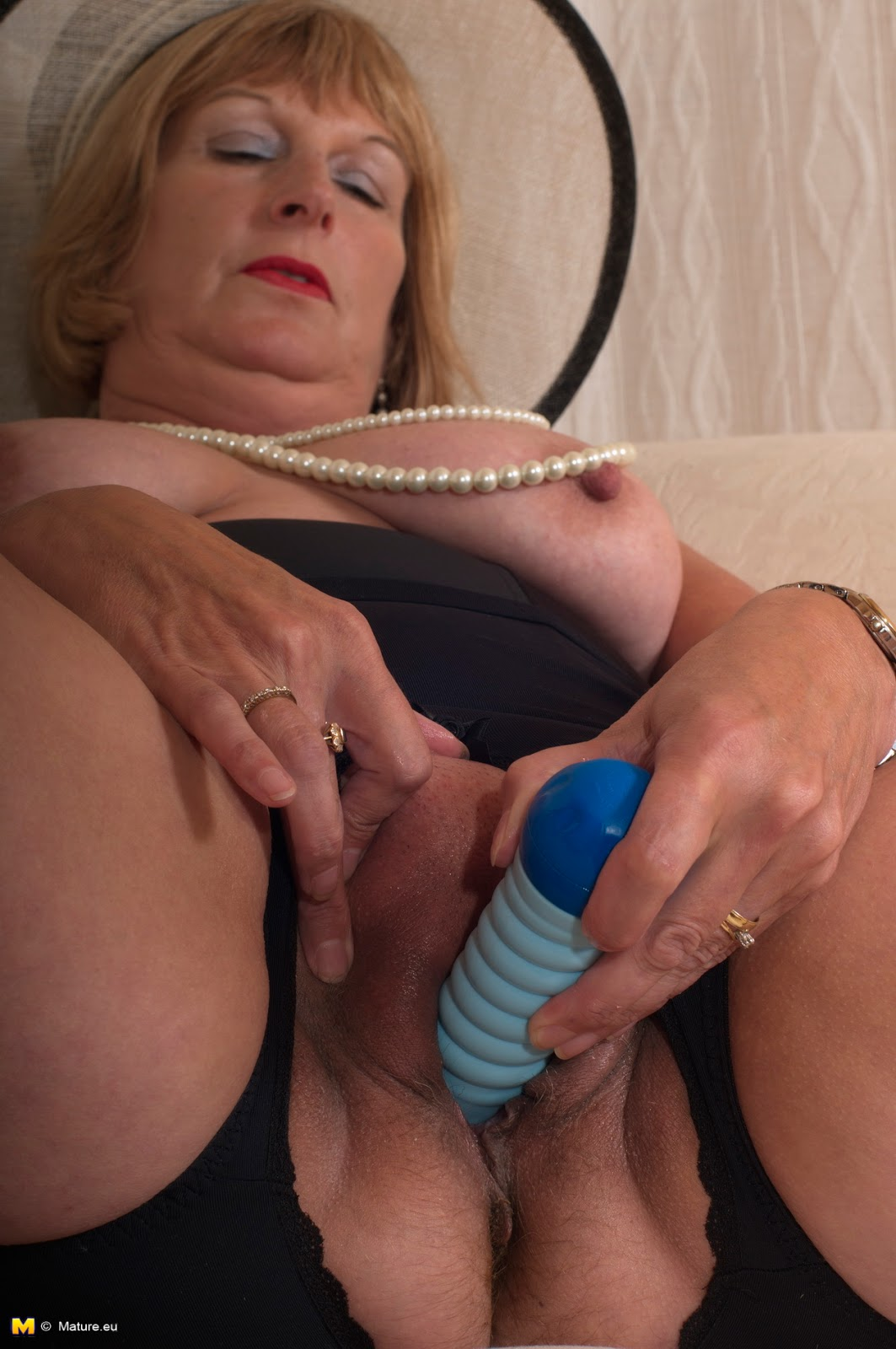 Mature English Women Tubes