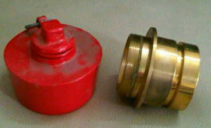 adaptor coupling machino dan tutup hydrant coupling machino