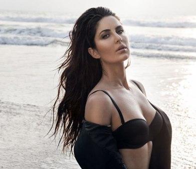 Katrina Kaif Without Bikini 20