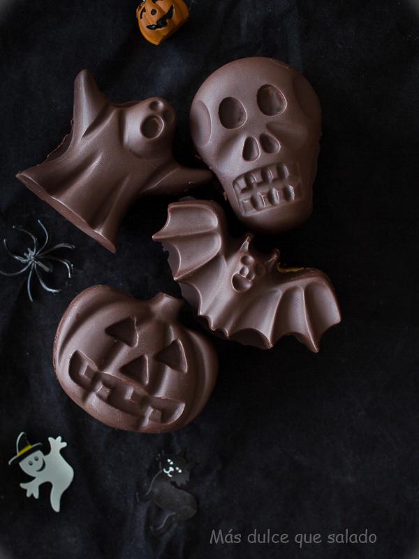 Bizcochos de queso con cobertura perfecta de chocolate. Receta para Halloween.