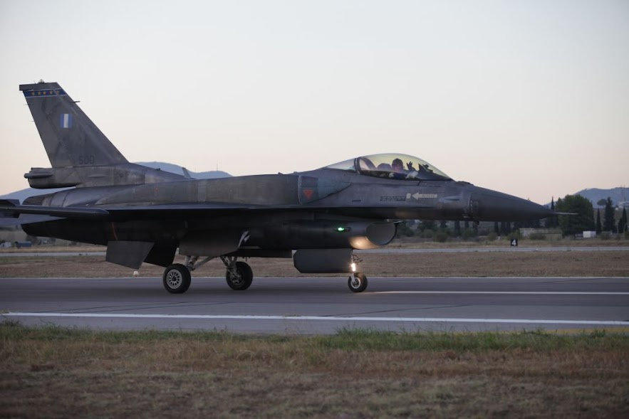 Τουρκικά ΜΜΕ: «Απειλή για τη χώρα μας» η παρουσία των αραβικών F-15 στη Σούδα