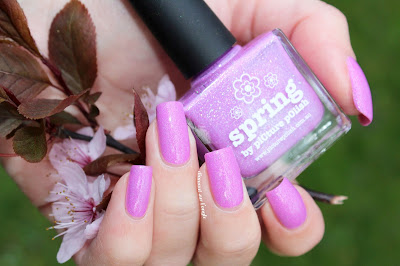 "Swatch of the nail polish ""Spring"" from Picture Polish"