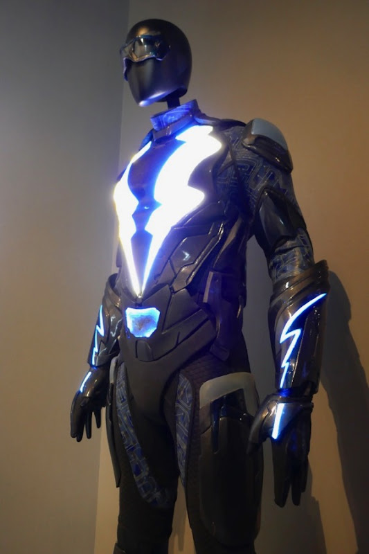 Black Lightning CW costume