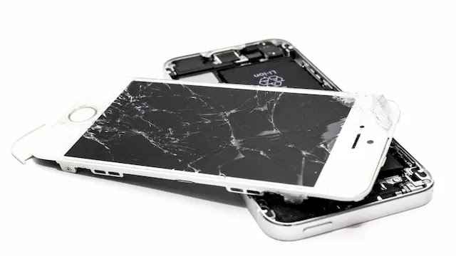 هل شاشة هاتفك التي تعمل باللمس متكسرة أو بها خدوش؟ تجنب هذه النصائح السيئة لإصلاح الشاشة