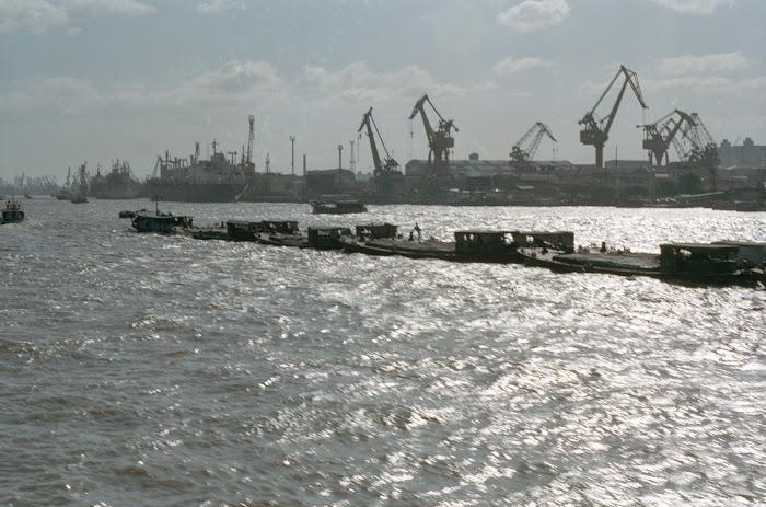 Shanghai, bateaux, Yangtze, © L. Gigout, 1990