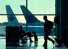 في المطار  Di Bandara
