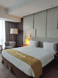 1 King Bed Junior Suite Room Crowne Plaza