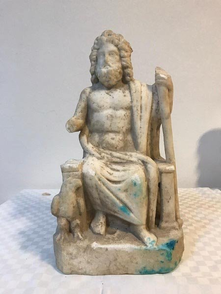 Τούρκοι αρχαιοκάπηλοι προσπαθούσαν να πουλήσουν άγαλμα του Δία και βυζαντινό ταφικό ανάγλυφο