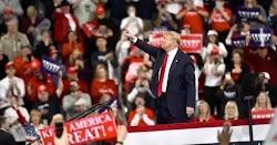 Ο ηγέτης της ρεπουμπλικανικής πλειοψηφίας της αμερικανικής Γερουσίας, ο Μιτς ΜακΚόνελ δήλωσε ότι ο πρόεδρος Ντόναλντ Τραμπ έχει απόλυτο δικα...