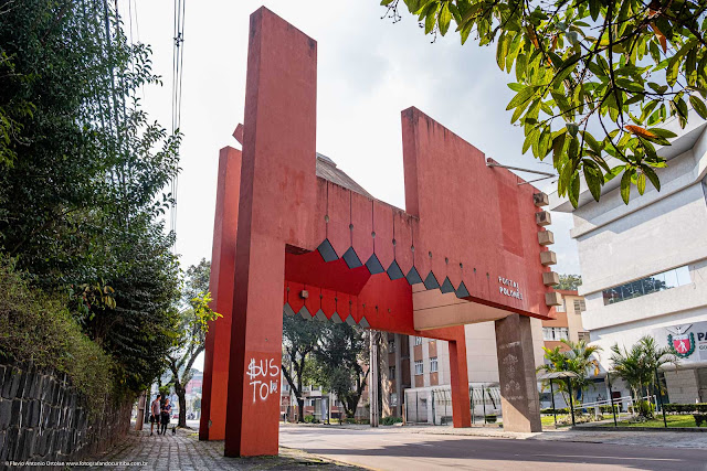 Portal Polonês na Rua Mateus Leme em Curitiba