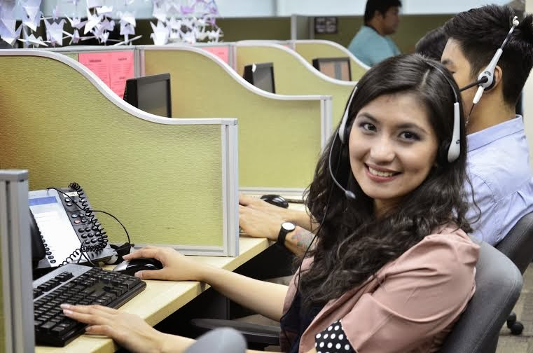 A call center agent in the Philippines