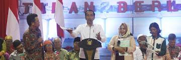 Jokowi Serahkan Seribu Sertfikat Warga Kalimantan Utara