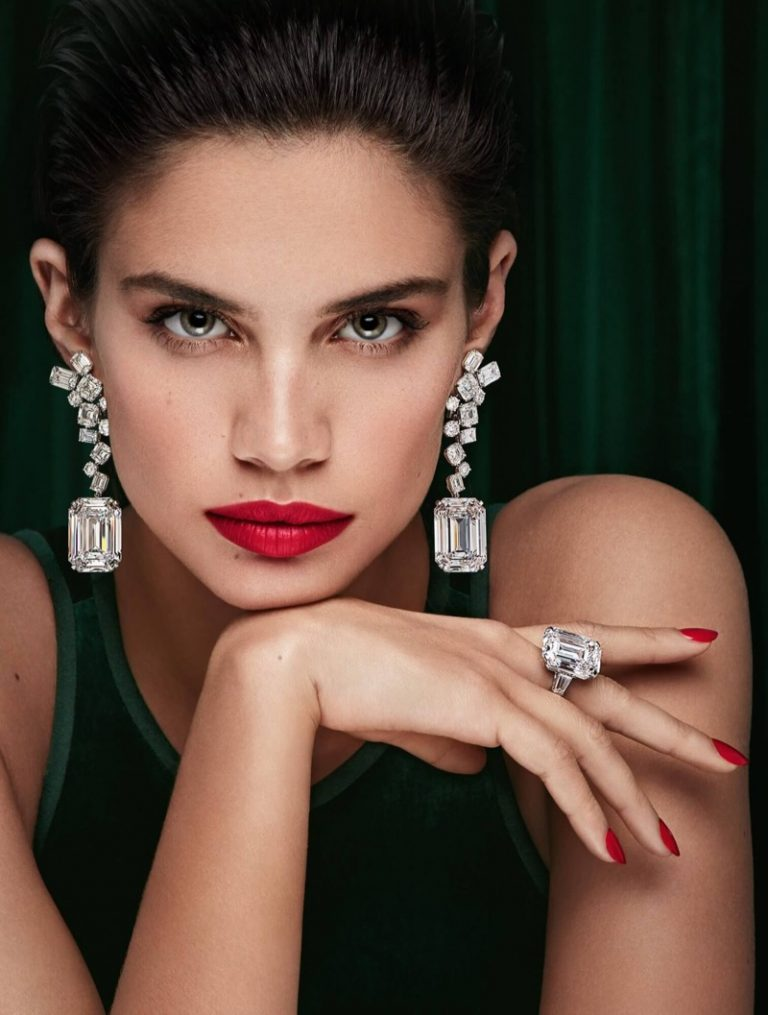 Sara Sampaio wears glittering ring in Graff Diamonds campaign