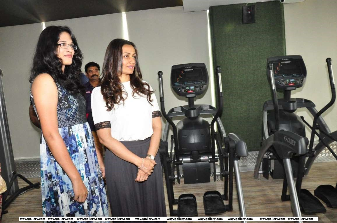 Mahesh Babus wife and actress Namrata Shirodkar launched Kris Gethin Gym