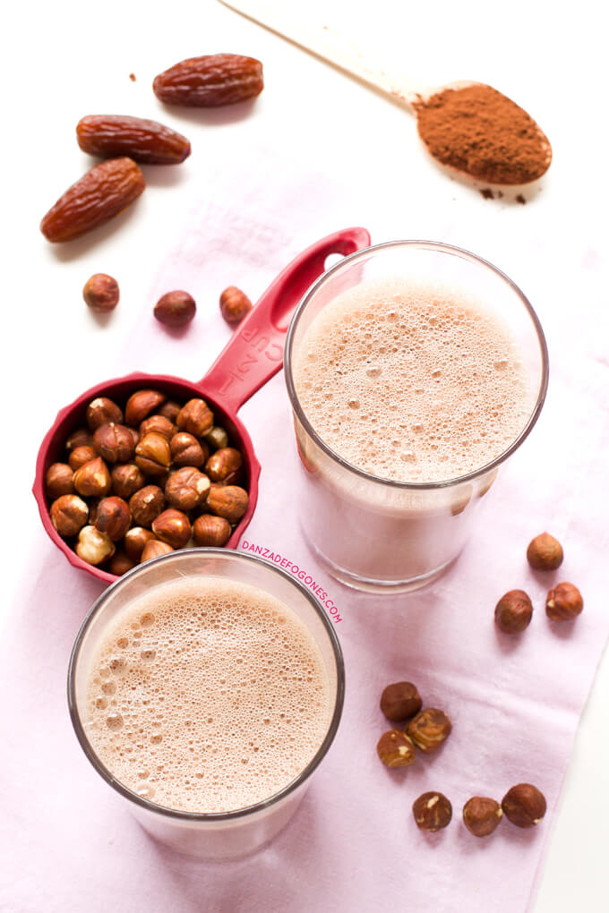 Hazelnut and cocoa milk | danceofstoves.com #DanceofStoves