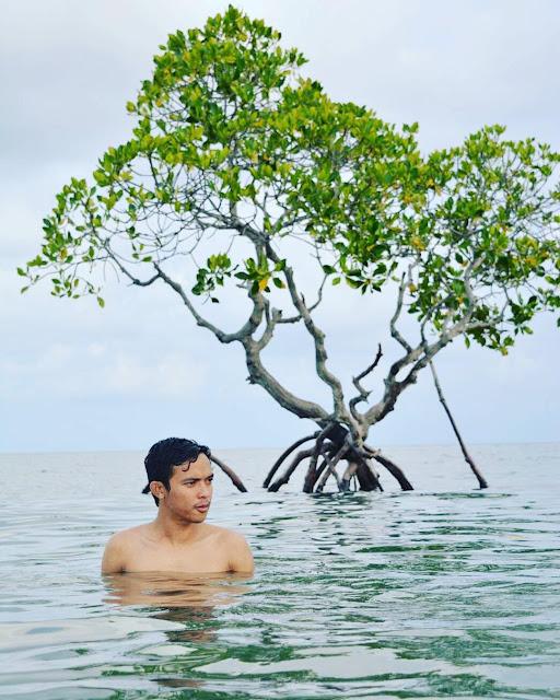 gonda beach west sulawesi