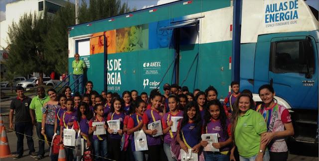"Alunos de Panelas-PE visitam o Projeto educativo ""Aulas de Energia"" da Celpe"