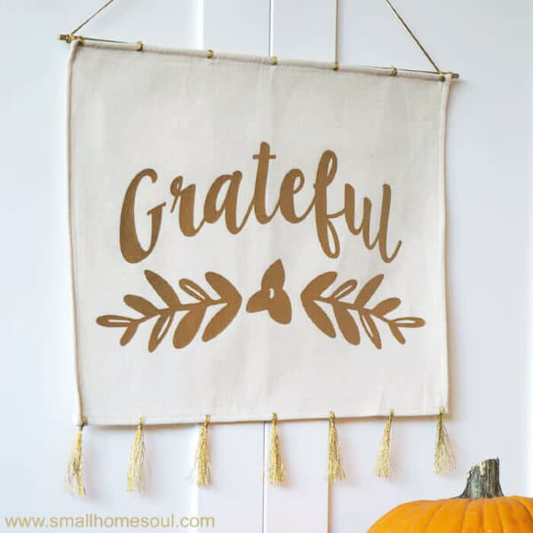 grateful wall hanging