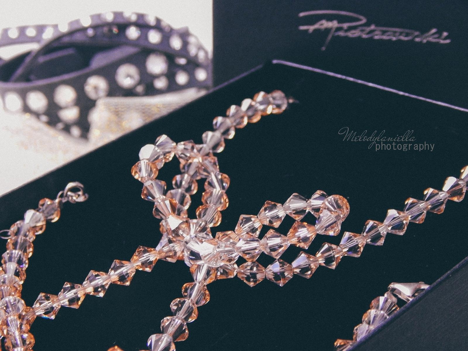 16 biżuteria M piotrowski recenzje kryształy swarovski przegląd opinie recenzje jak dobrać biżuterie modna biżuteria stylowe dodatki kryształy bransoletka z kokardką naszyjnik z kokardą złoto srebro fashion