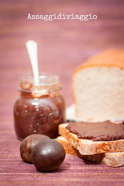 Crema di castagne (castagnella) su pane alle castagne