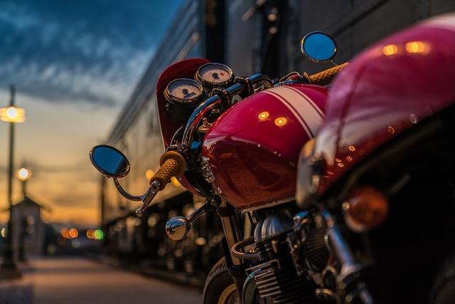 Con riesgo vital motociclista que sufrió caída en Dalcahue