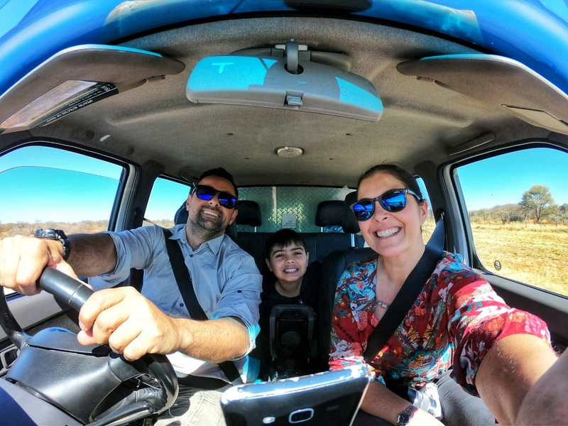 Viajando de campervan pela Namíbia: como armar as barracas, trocar pneu, dirigir na mão inglesa e carregar equipamentos eletrônicos