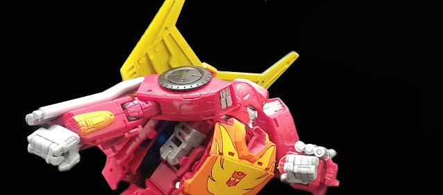 Kingdom Commander Class Rodimus Prime