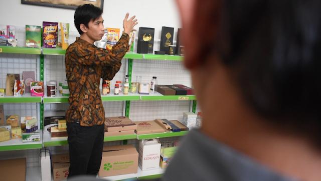 Tempat Keren untuk Berdiskusi dan Berbelanja Kemasan Produk UKM - Pusat Kemasan UKM Jogja