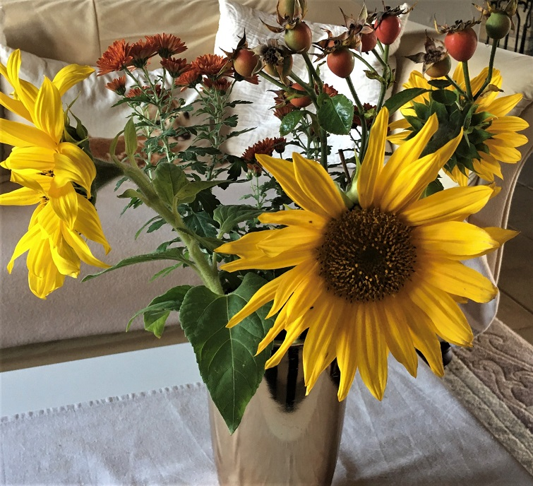 Herbstgruß mit Sonnenblumen