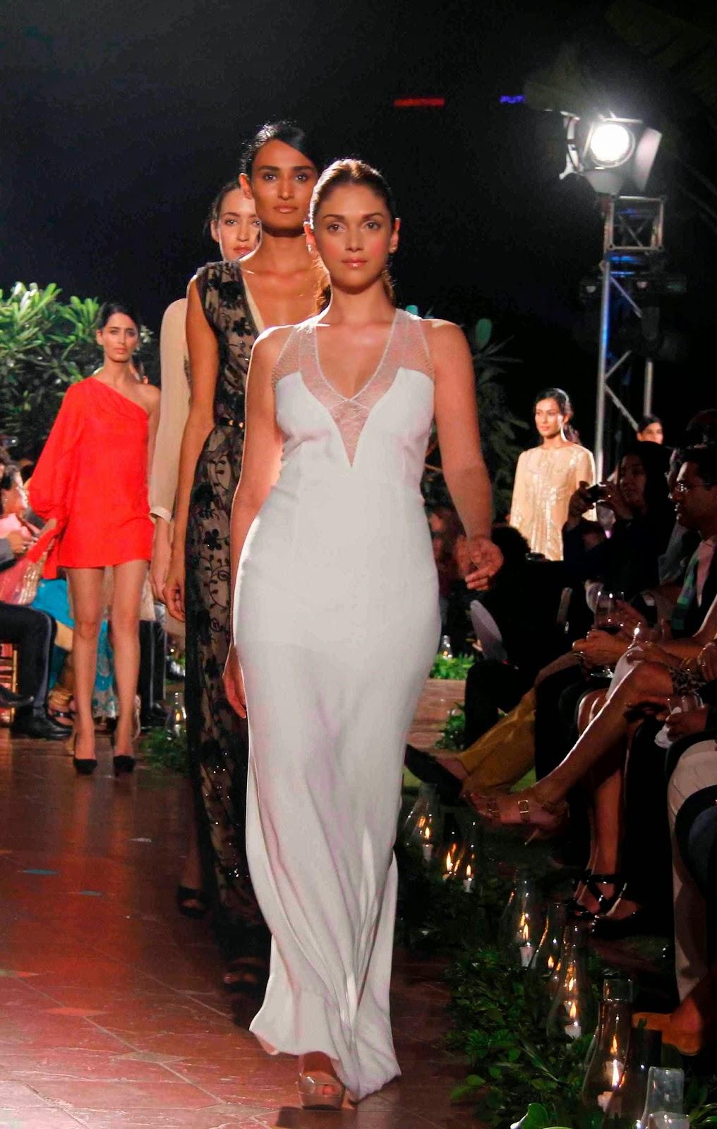 Aditi Rao Hydari Super Sexy Cleavage Show At Government of Catlunya Spanish Fashion Show In ITC Parel, Mumbai