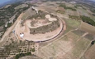 δεύτερο μνημείο στο λόφο της Αμφίπολης